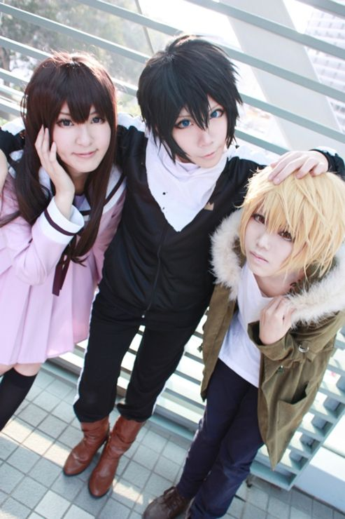 Noragami cosplay || anime cosplay-- awesome! Except it looks like Yato is crossing his eyes :p