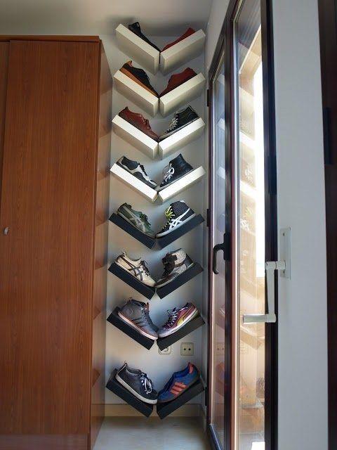 Organiza y muestra tus zapatos como la obra de arte que son. | 42 Ideas de almacenamiento que organizarán toda tu casa