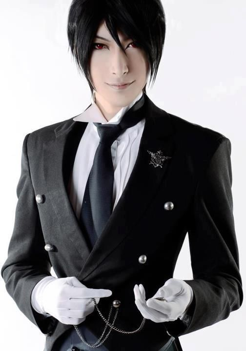 Sebastian Michaelis - Kuroshitsuji OMG this is the best cosplay I have ever seen!! .< fan-girling to the max!
