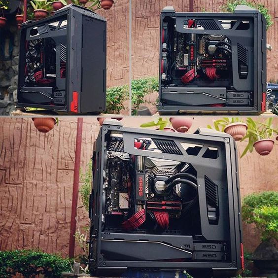 TantricmodZ's MasterCase doesn't rely on bright LEDs to make sparks fly.
