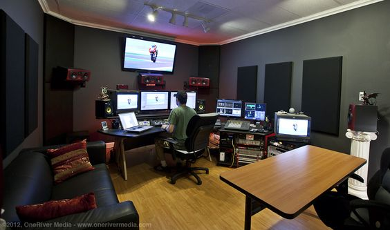 this is an example of a TV editing suite which could be the way my career develops#MFC4012