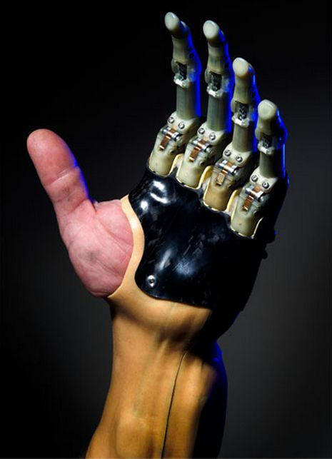 Touch Bionics Announced To Release New Prosthetic Fingers Technology - Prosthetic fingers or arms fulfill the lack of real fingers or arms. Touch Bionics is a worldwide provider of prosthetic fingers or arms. The company's prosthetic devices are known as i-limb digits which are fully customized electronic prosthesis for those people who have lost his/her finger(s) or partial hand. However, the company has announced September 27 that it is going to launch a new prosthetic fingers worldwide