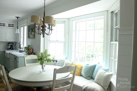 window_seat_bay_window_kitchen