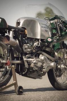1968 Norton 750 Dunstall Cafe Racer Seeley Frame #Vintage_Motorcycle