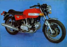 "1973 Ducati 900 GTS Ducati 900 GTS Air cooled, four stroke, 90°""L""twin cylinder, SOHC, 2 valve per cylinder."