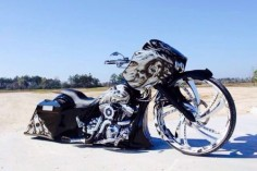 "2004 HARLEY DAVIDSON CUSTOM ROAD GLIDE SHOWBIKE 30""WHEEL BAGGER ROAD GLIDE CUSTOM 30"" WHEEL SHOW BIKE MAGAZINE BAGGER"