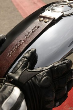 2013 Moto Guzzi V7 Racer   #cafe #motorcycle #Cretins