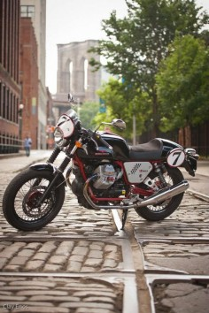 2013 Moto Guzzi V7 Racer ~ Return of the Cafe Racers
