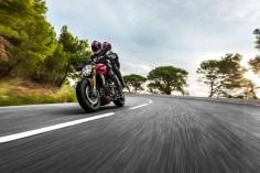 2014-Ducati-Monster-1200S- ...
