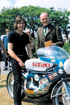 A very young Barry Sheene and Suzuki.