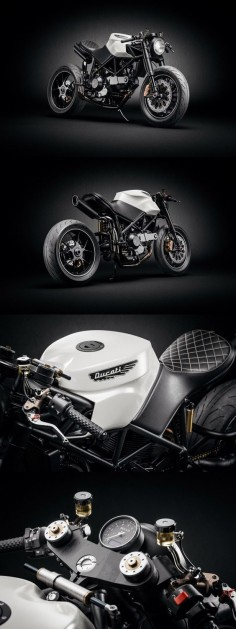 Amazing Ducati 916 Custom Café Fighter.   More images at: