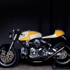 atticusanonymous: Ducati #motorcycles #caferacer #motos |