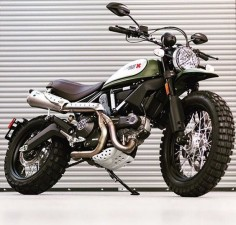 Awesome urban enduro scrambler!! Via @southsoundmotorcycles #ducati #sportsbikes #bikelife #pistonaddictz #london #superbikes #bikeswithoutlimits #panigale #luxury #bikeporn #streetfighter #tagforlikes #tagafriend #bikersofinstagram #ducatistagram #streetbike #beautiful #love #followme #biker #carswithoutlimits #Instamotogallery #happiness #899 #1199 #1198 #monster #scrambler #scramblerducati