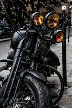 ☛ Black coated Mc with yellow lights just looks amazing ☚