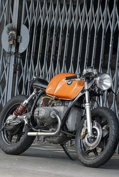 BMW #CafeRacer #TonUp