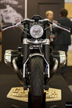 BMW R nineT Cafe Racer by Clutch Custom Motorcycles - Photo by Chazster #motorcycles #caferacer #motos |