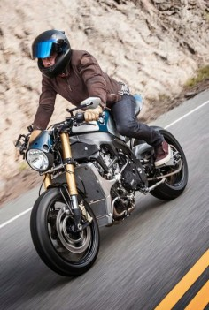 BMW S1000 R Cafe Racer Orlando Bloom #motorcycles #scrambler #motos |