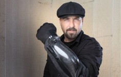 -BodyGuard stun-glove packing 300,000 volt punch, a flashlight and a laser guided camera