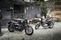 Bonneville T120 Black (left) and Bonneville T120 (right).