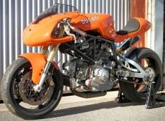 Brendan's Ducati 900SS - via