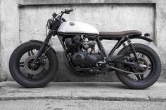 Cafe Racer Dreams Honda CB 750 KZ Black Cream | MotoVerso
