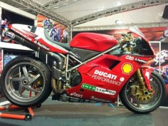 Carl Fogarty's Ducati 996R (I think?)