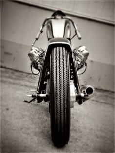 Cette Moto Guzzi est la métaphore même de la moto faite simplicité. Celles et ceux qui l'ont construite méritent un 'big five!'. Superbe! Cet article…