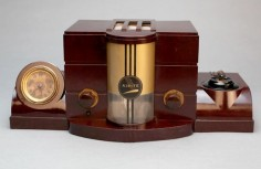 "cgmfindings: "" This is an ultra-rare 1938 Airite model 3010 ""Desk Set"" in brown Bakelite. The cabinet is a classic statement in Art Deco design. It is fair to say that most serious antique radio collectors have never even seen this illusive model"