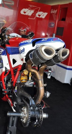 Checa's Ducati - prep time
