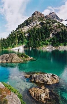 //Cream Lake, Vancouver Island//