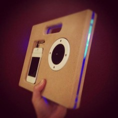 DIY iPhone Boombox looks pretty good