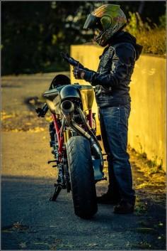 "Ducati 749R cafe racer ""Scarlett"" by Ezikiel J #motorcycles #caferacer #motos |"