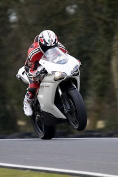 Ducati 848 .