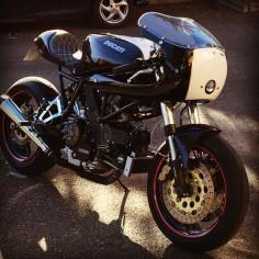 Ducati 900ss café racer