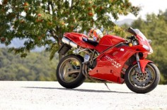 Ducati 916.