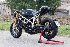 Ducati Cafe Racer - Attrezzo Veloce #motorcycles #caferacer #motos |