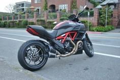 Ducati Diavel Carbon Red.