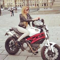 #ducati #moto #motogp #motolife #motosport #motorcycle #instabike #instagood #instamoto #instacrazy #instamotorcycle #instamotogallery #sportbike #superbike #supermoto #streetbike #supermotorbikes #bike #bikelife #bikekings #ride #riders #pistonheadz