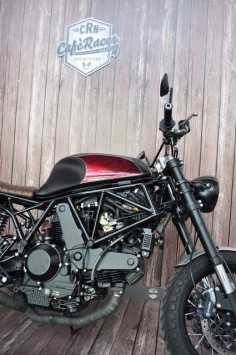Ducati SS 900 Street Tracker by Cafe Racer Napoli #motorcycles #streettracker #motos |