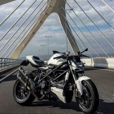 Ducati Streetfgihter S