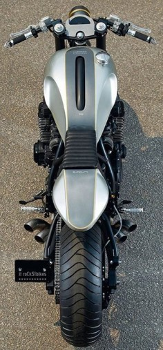 Equator Vivere: Sleek custom motorcycle - from above #motorcycles #caferacer #motos |