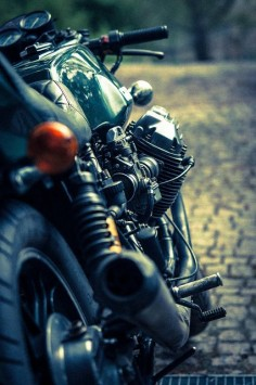 Guzzi Le Mans I -77 by vanilla leech, via Flickr