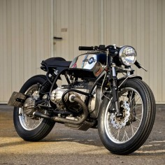 Here's a delicious two-wheeled cocktail: a BMW with sweet R80 underpinnings, 1970s toaster style, and powerful modern brakes. We'll drink to that.