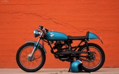 Honda CB125 Cafe Racer by Flying J Customs