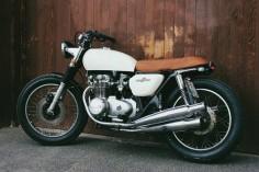 Honda CB500 1972 Brat Style by Moto Incendio #motorcycles #bratstyle #motos |