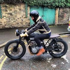Honda CB550 Cafe Racer Bobber Brat