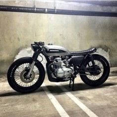 Honda CB550 made by Standardv Moto seen at: CAFE RACER's PASSION