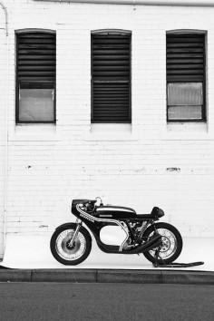 Honda cb750 by Deus Customs #replica #motorcycle #motorbike