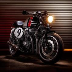 Honda CB750 Seven Fifty Spitfire 09 Cafe Racer Macco Motors #caferacer #motorcycles #motos |
