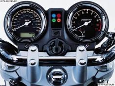 Honda Hornet 900 2006 01